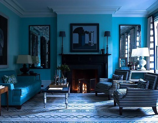 blue-monochromatic-room
